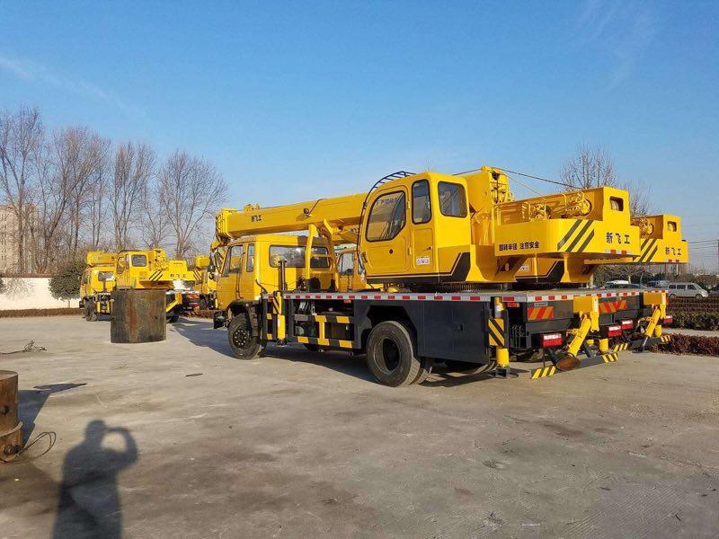 Santo Cranes get a big order of 4 sets of DONGFENG 12 ton Truck Crane